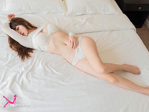 尤果网王语纯日系风格写真图片,每一张都是撩动宅男心扉的诱惑画面,完美火辣身材毫无遮挡的释放。更有性感湿身浴室照,豪乳巨沟诱惑挡不住。